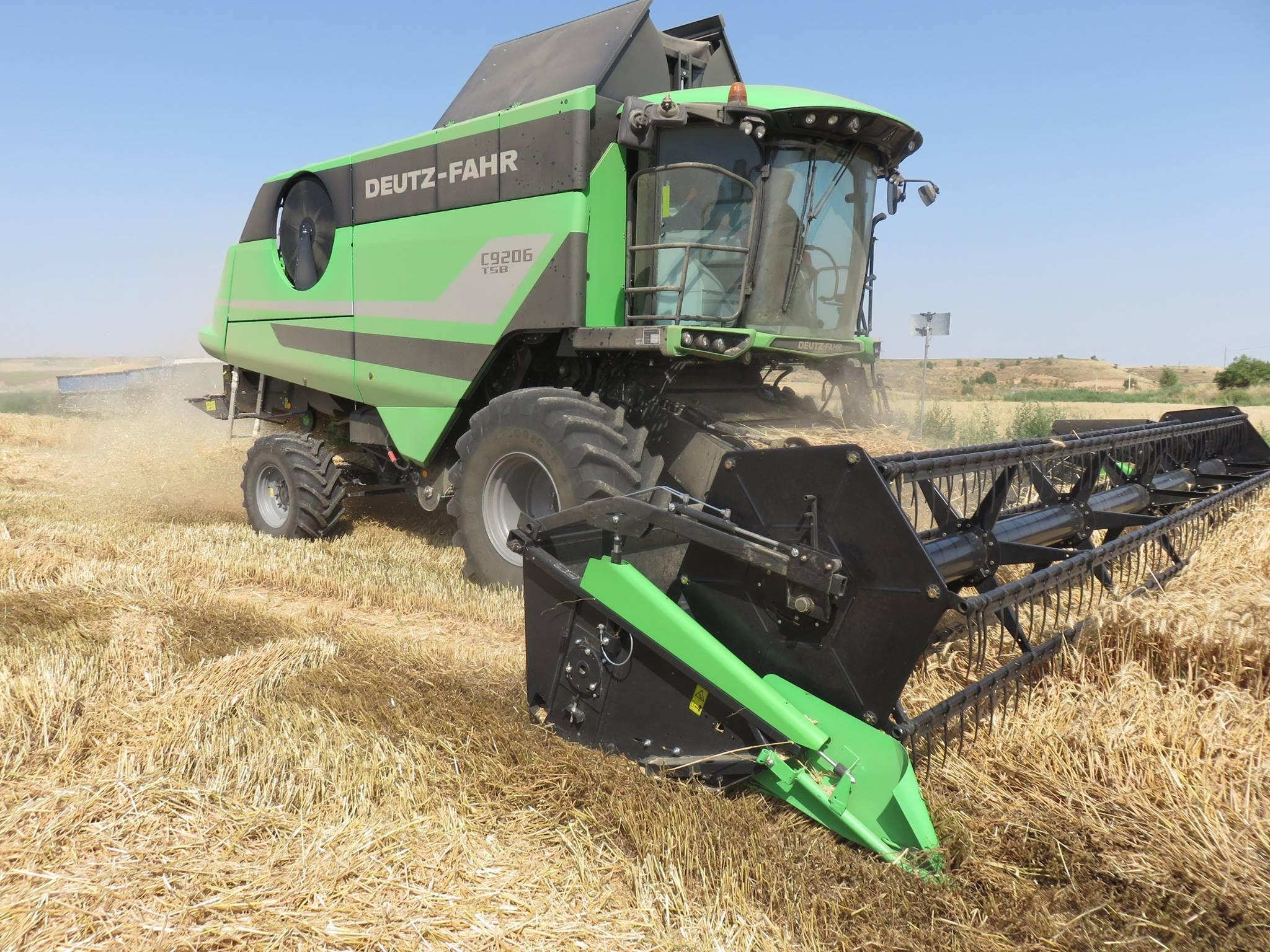 cosechadora-Deuzt-Fahr-C9602-TSB01