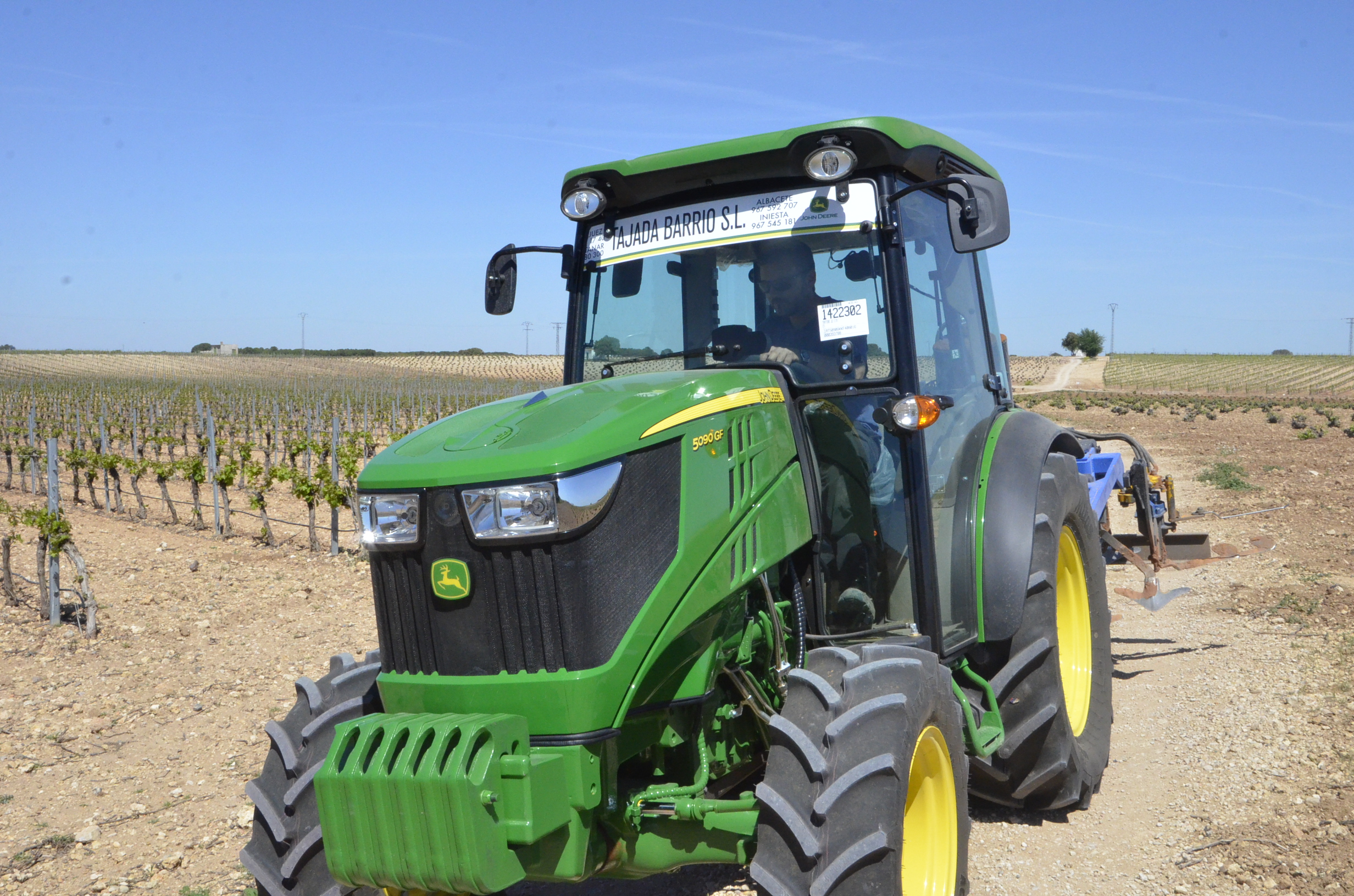 JohnDeere5090GF-23