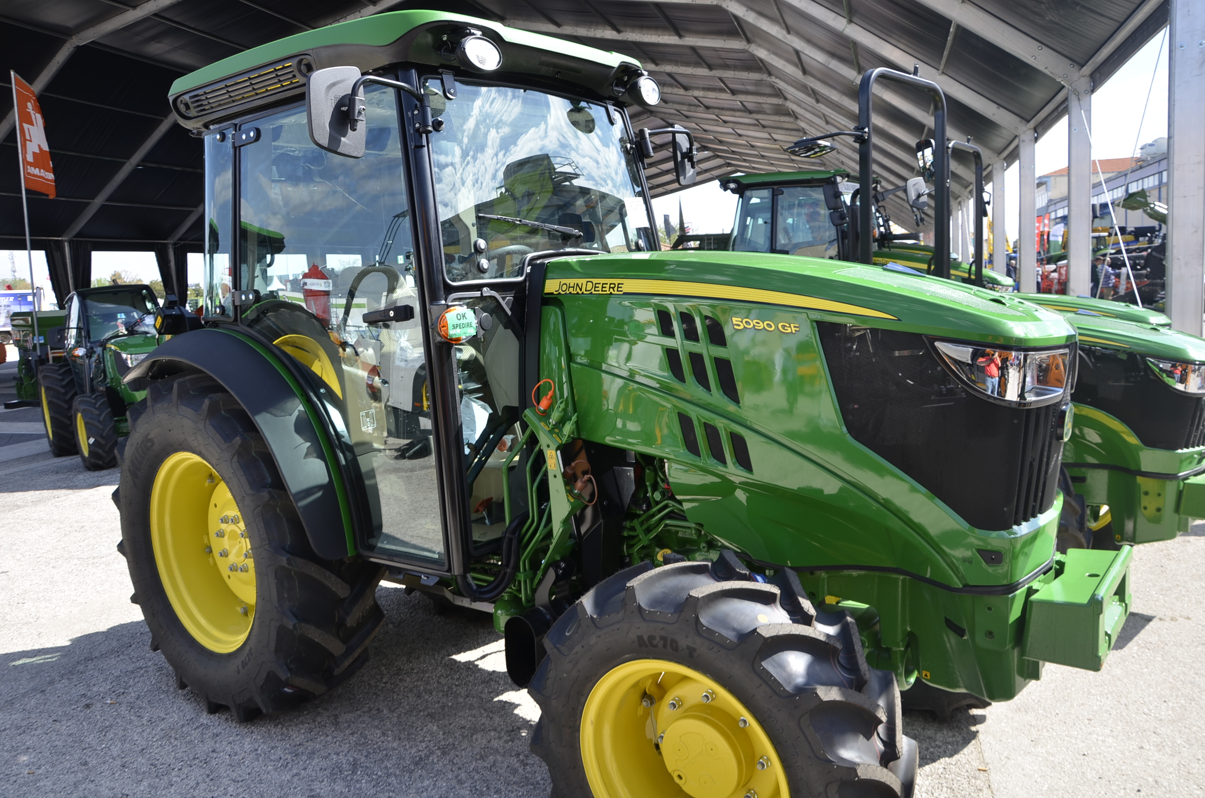 JohnDeere5090GF-50
