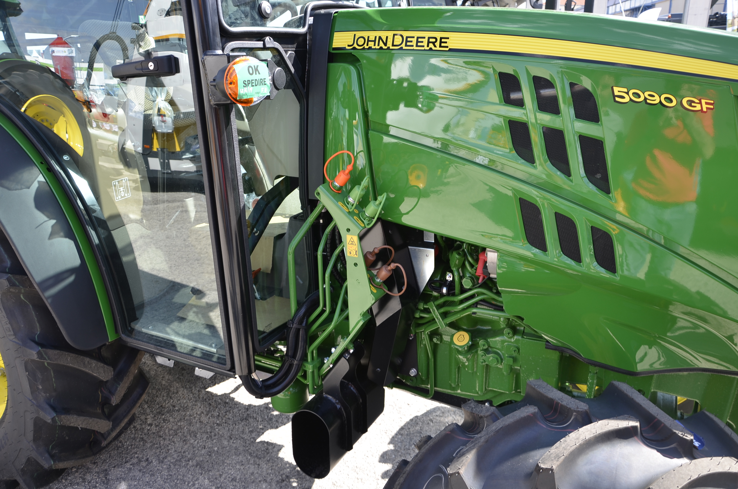 JohnDeere5090GF-54