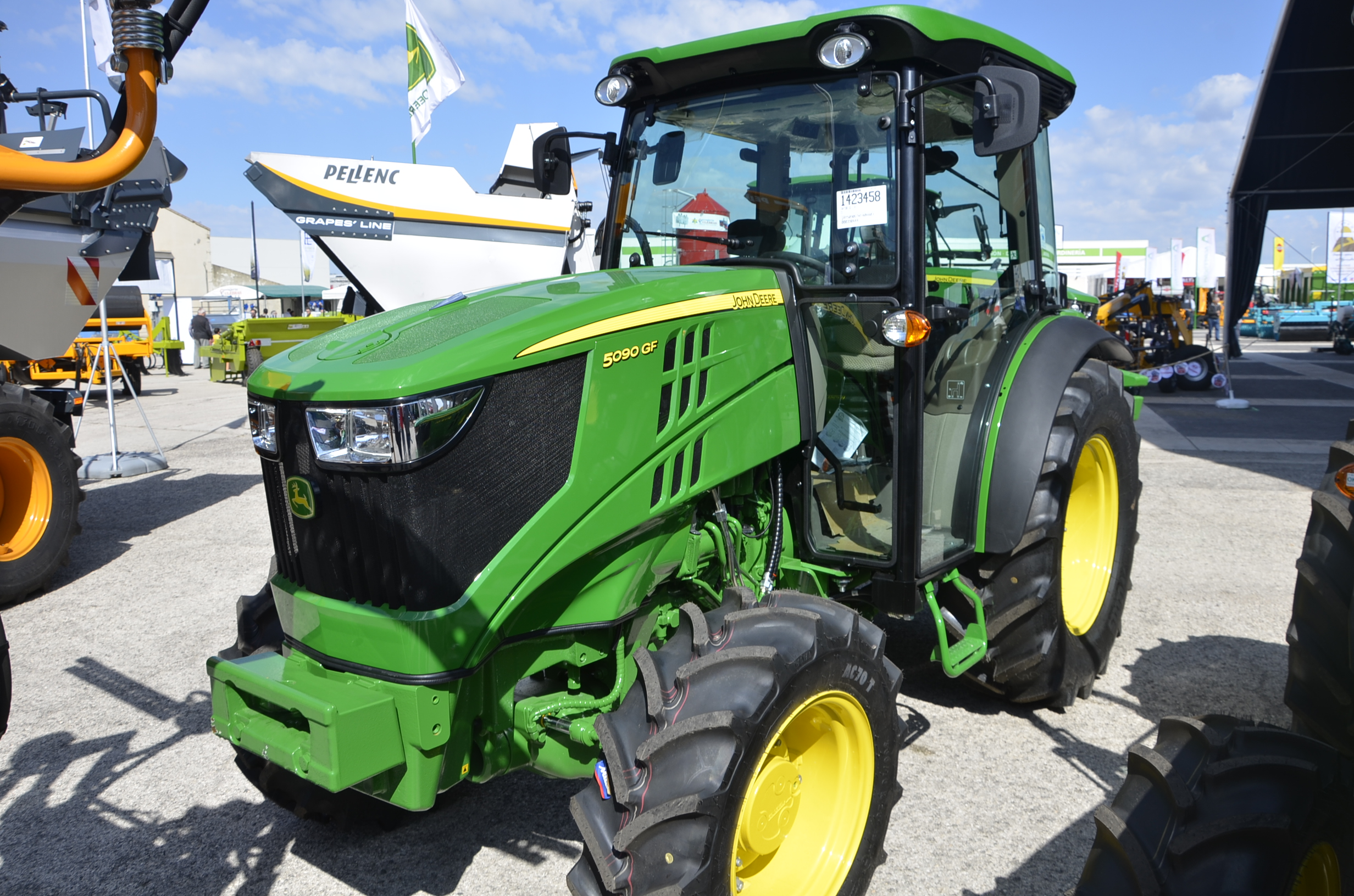 JohnDeere5090GF-60