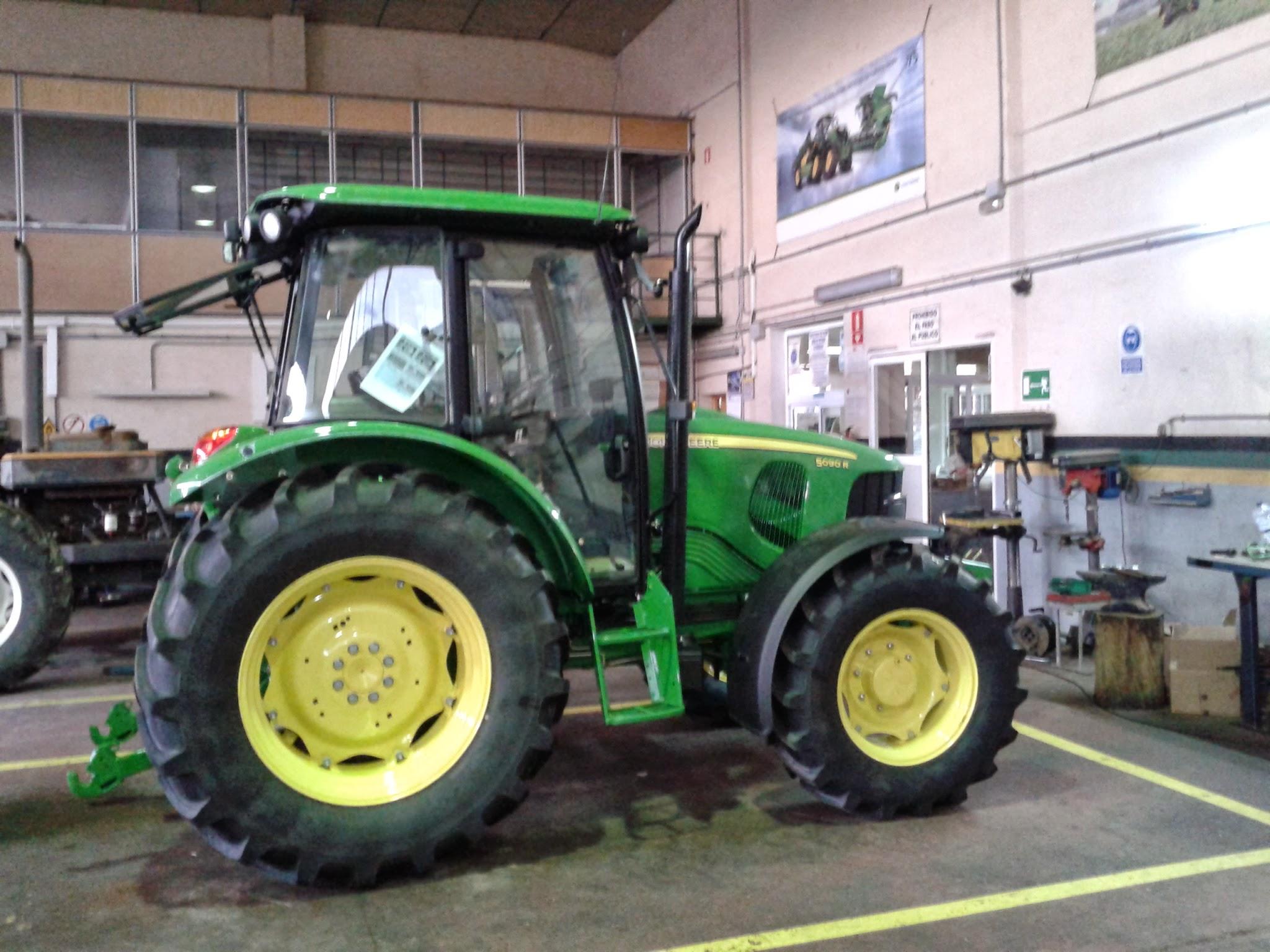 Único John Deere Tractor Para Colorear Páginas Para Imprimir Modelo ...