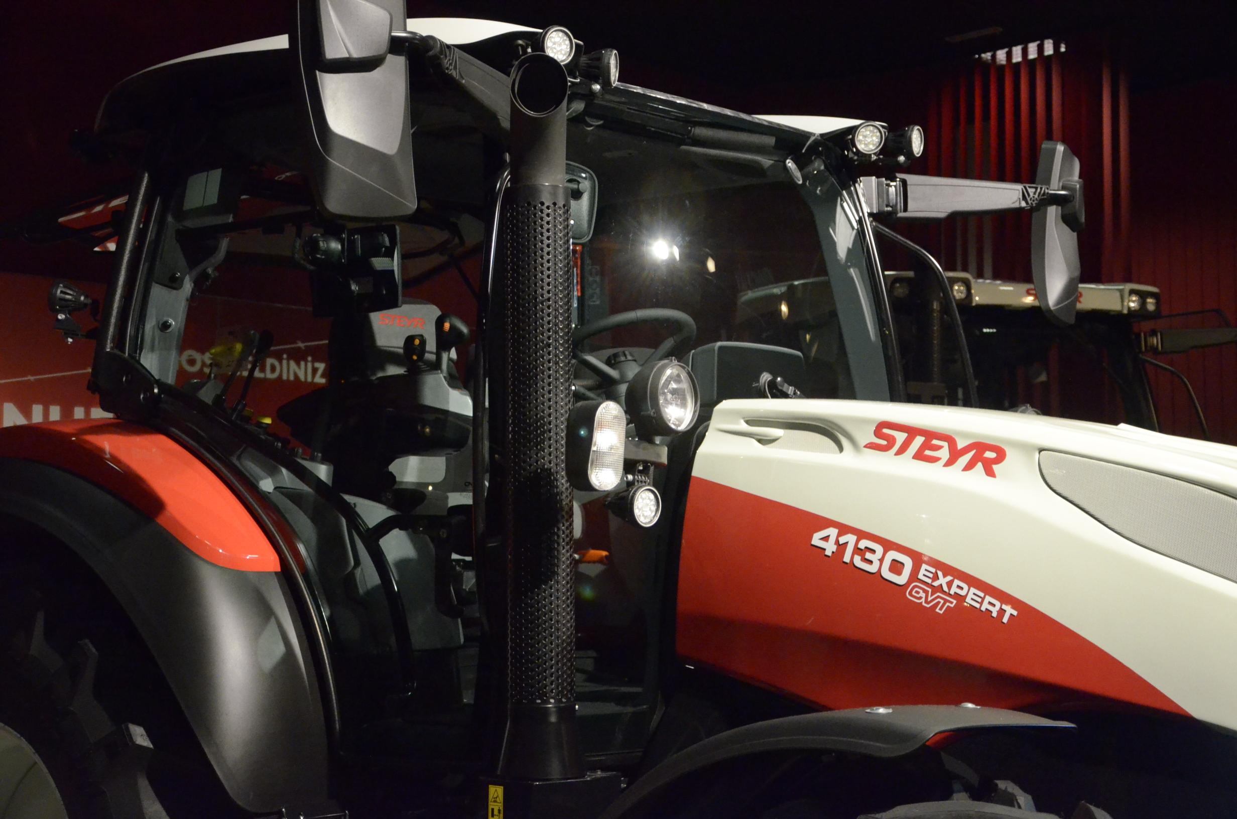 Steyr_Traktoren-102