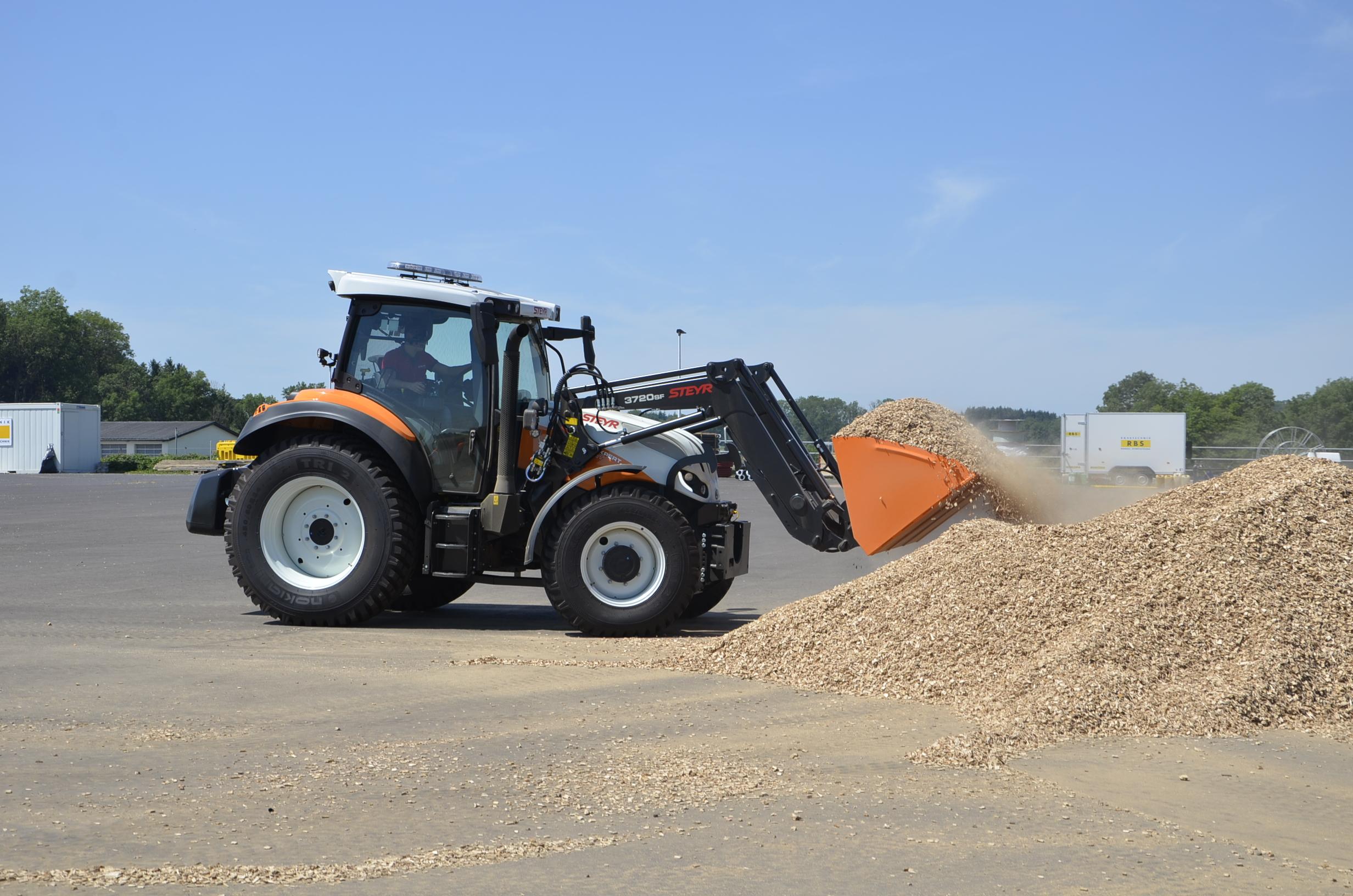 Steyr_Traktoren-200