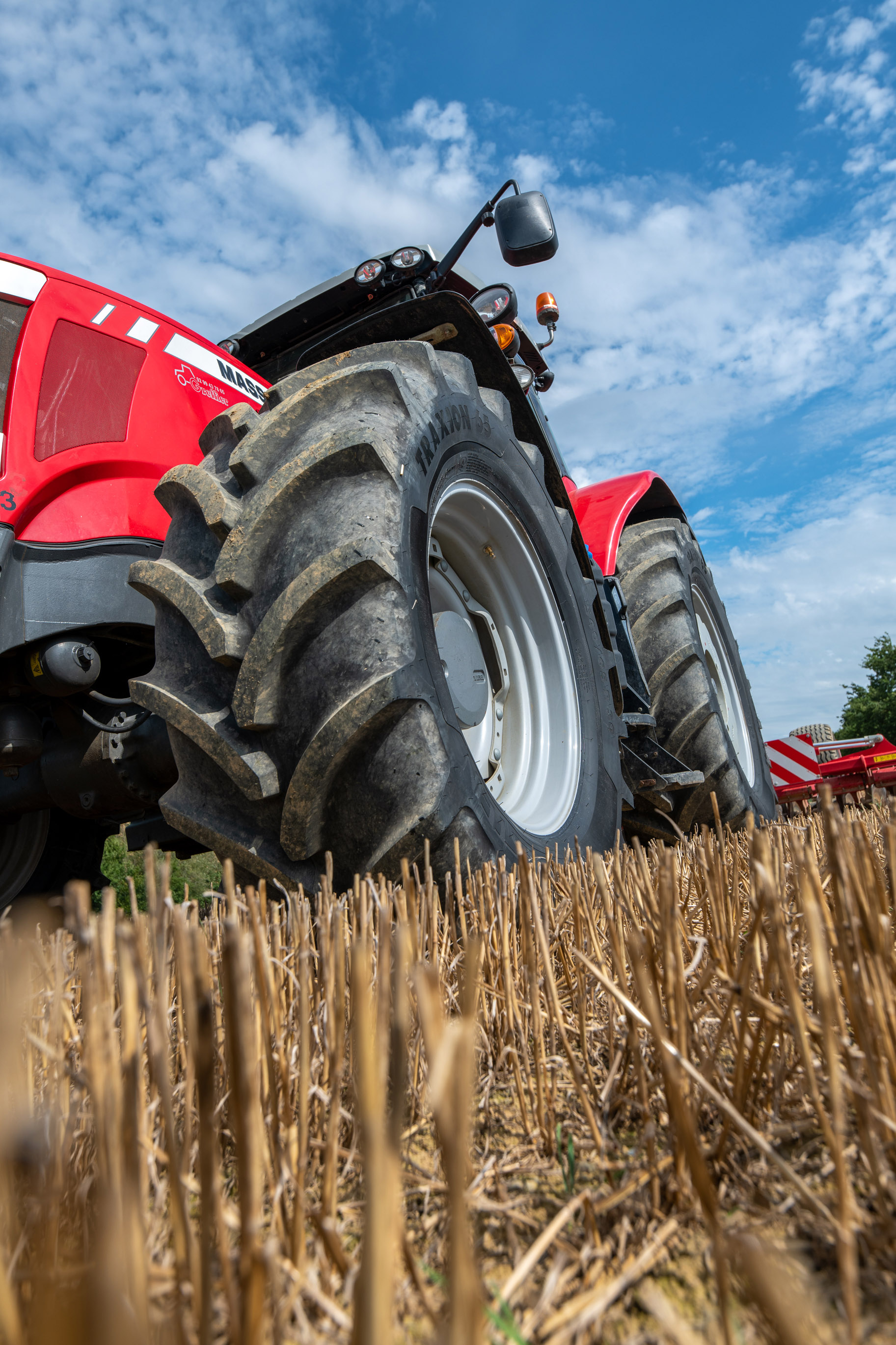 01-New-Vredestein-Traxion-65-reduces-in-cabin-noise-by-29-percent